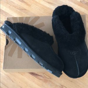 NWT sz 7 Blk Ugg Coquette Slippers